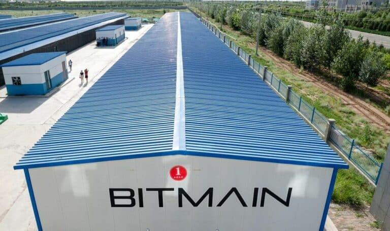 Bitmain přestává dodávat své stroje k těžbě BTC podnikům v Číně